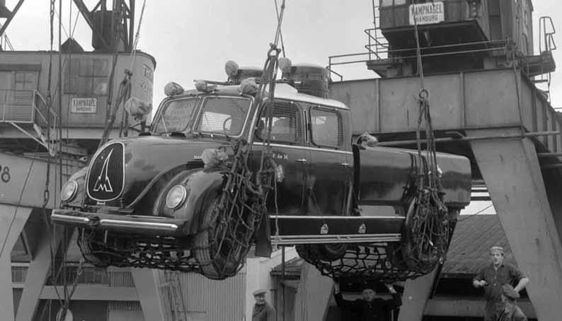 Pablo 427 Wasserwerfer für Montevideo HH Hafen klein